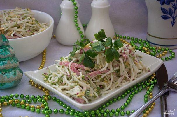 Салат с салями и сыром