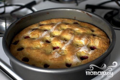 Пирог с малиной и пахтой