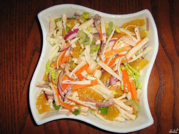 Салат из крабовых палочек с апельсином