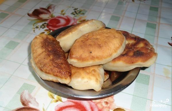 Пирожки с грибами солеными