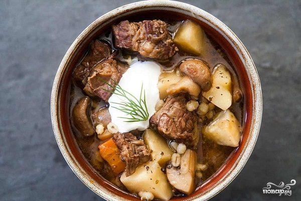 Тушеная картошка с мясом и грибами