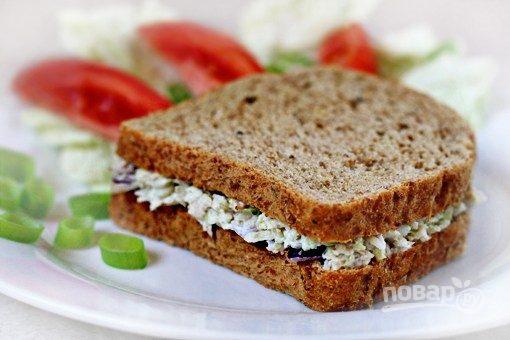 Салат с тунцом для сэндвича