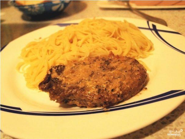 Мясо в чесночном соусе