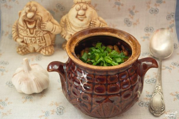 Чанахи в горшочках с фасолью