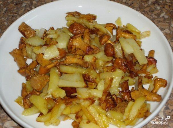 Лисички, жареные с картошкой