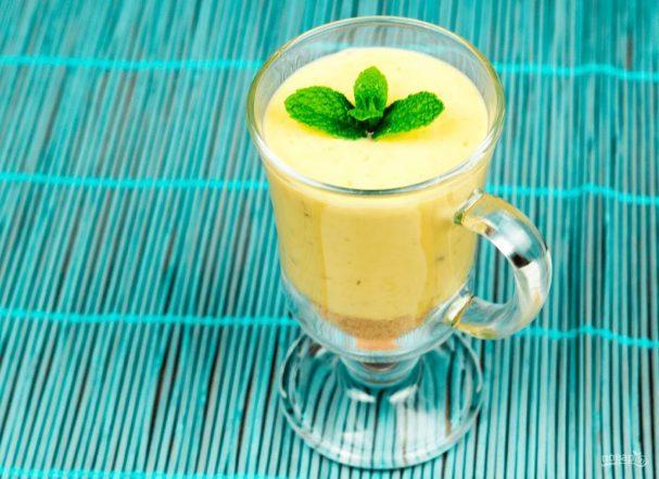 Банановый пудинг (десерт в стакане)