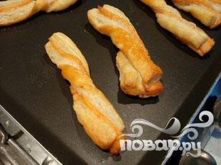 Слоеные язычки с лососем