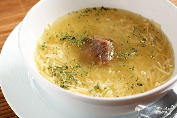 Мясной суп с вермишелью