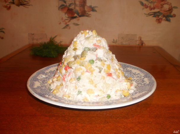 Постный салат с крабами