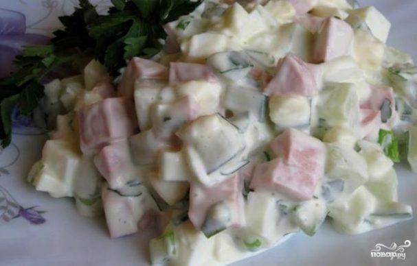 Салат из сосисок и яиц