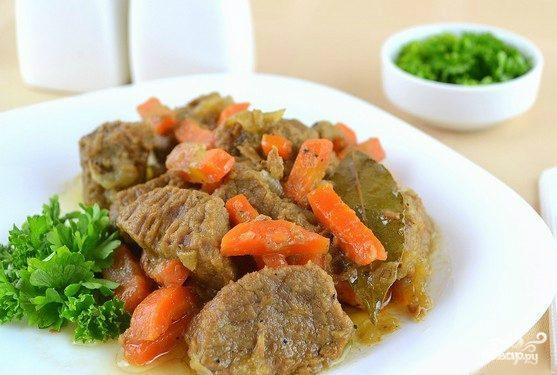Тушеная говядина на сковороде
