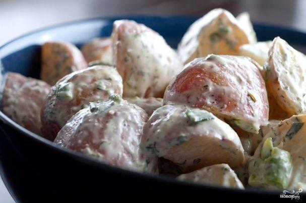 Салат из красного картофеля