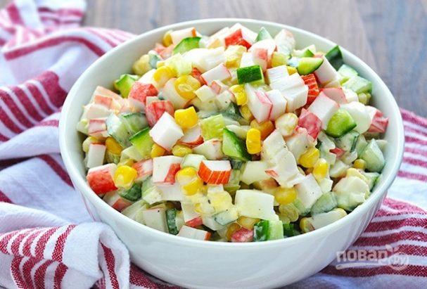 Салат с крабовыми палочками с яйцом и огурцом рецепт 141