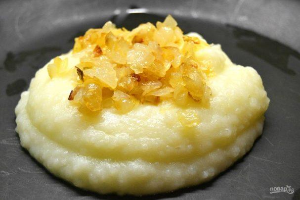 Пюре из картофеля с жареным луком