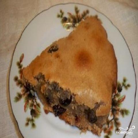 Пирог постный с изюмом
