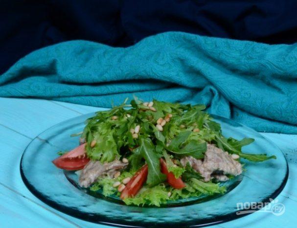 Теплый салат из куриной печени
