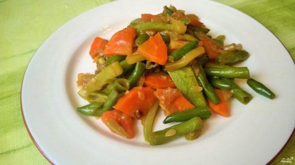 Тушеные овощи под соусом