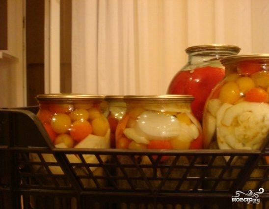 Патиссоны, консервированные с помидорами