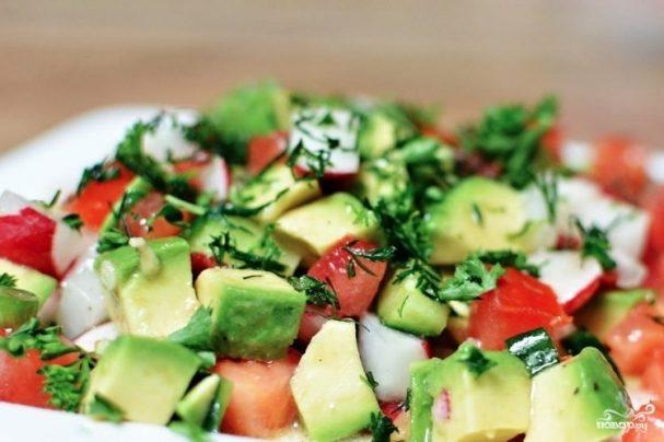 Постный салат из авокадо