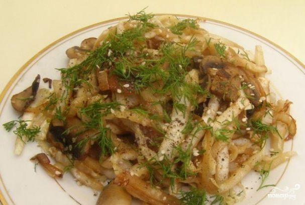Салат с пекинской капустой и свежими грибами