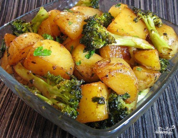 курица в духовке с цветной капустой и картошкой
