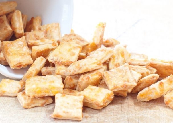 Домашние сырные крекеры