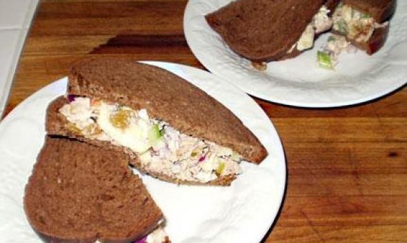 Изысканный бутерброд с тунцом