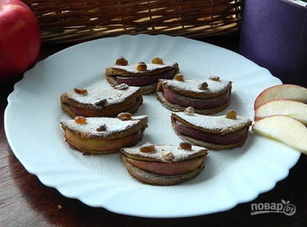 Печенье из гречнево-овсяной муки с яблоком