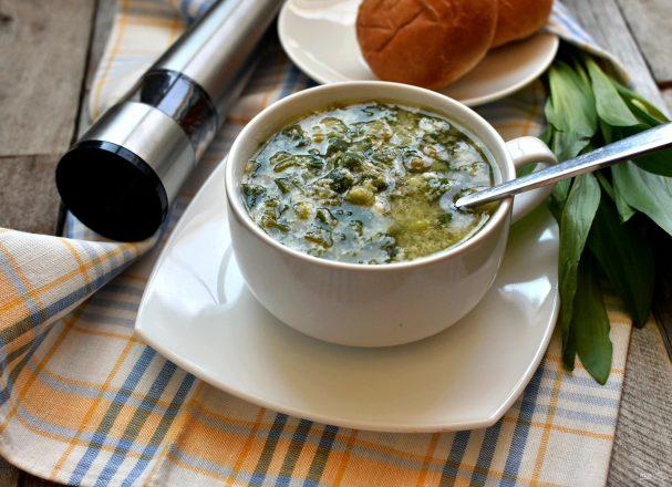 Суп с черемшой  и зеленым горошком.
