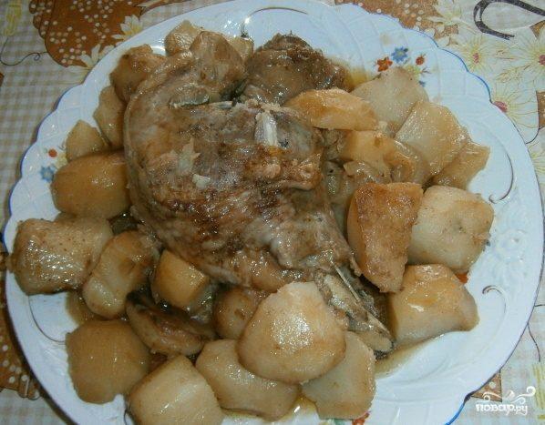 Тушеная картошка с индейкой в мультиварке