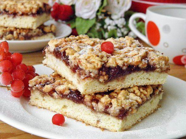 Бабушкин пирог с вареньем