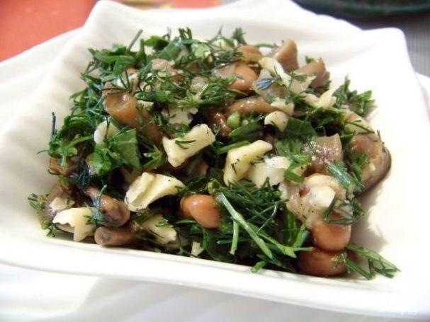 как приготовить салат из лесных грибов