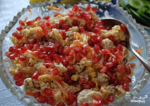 Салат с гранатом и сыром