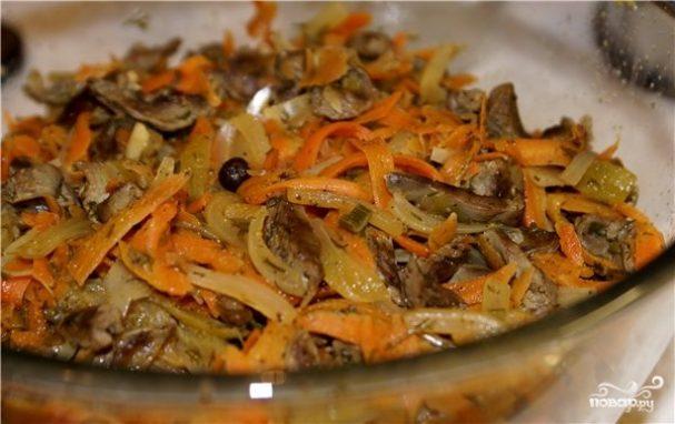 Куриные сердечки с морковью