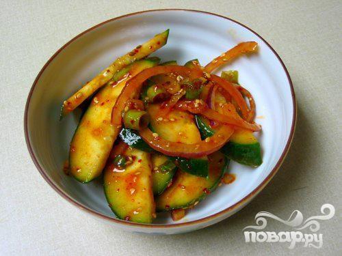 Пряный салат из огурцов