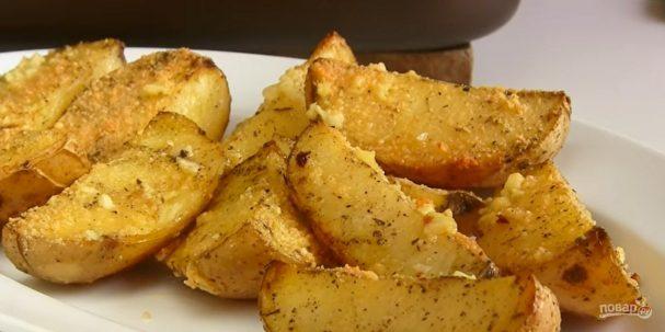 Вкусная картошка в духовке дольками