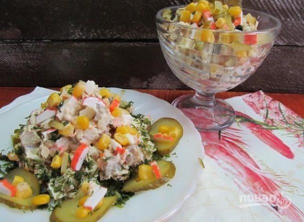 Салат с курицей и крабовыми палочками : топ-3 рецептов