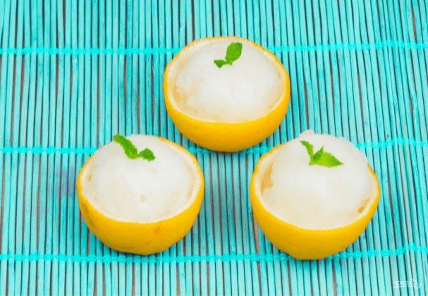 Лимонный сорбет (ледяной десерт)