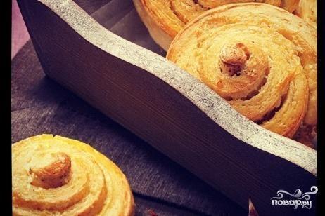 Пышные булочки с корицей