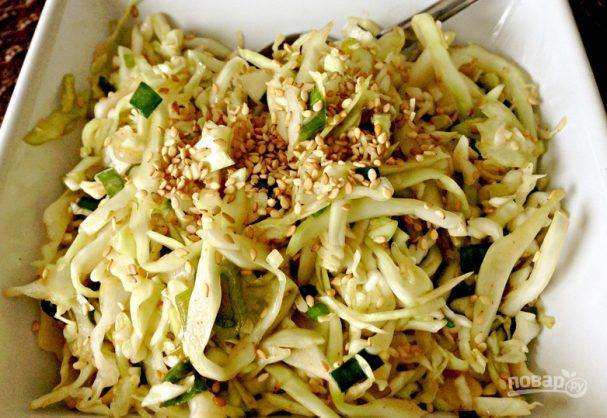 Салат с капустой свежей