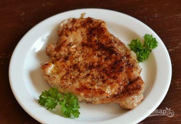 Блюдо из мяса на сковороде
