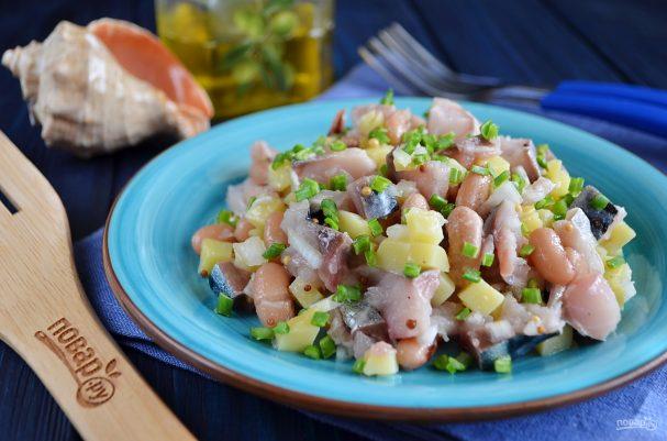 Салат из соленой скумбрии
