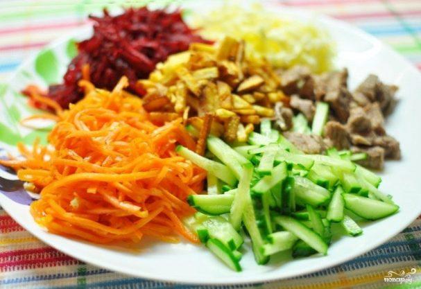Салат с говядиной и корейской морковкой