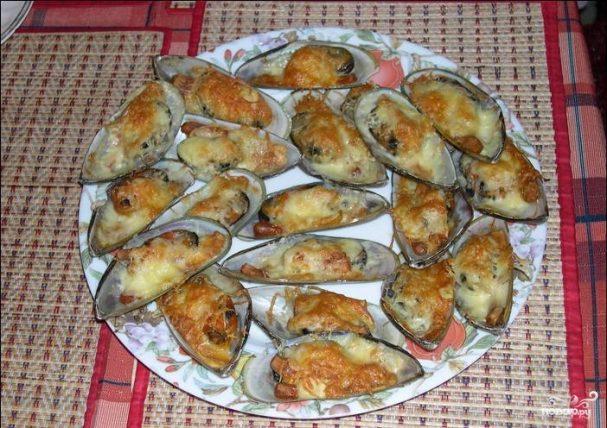 Мидии, запеченные с сыром в духовке