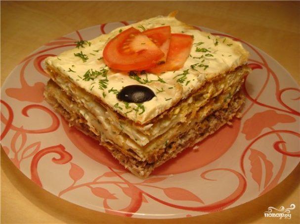 Слоеный пирог с рыбной консервой