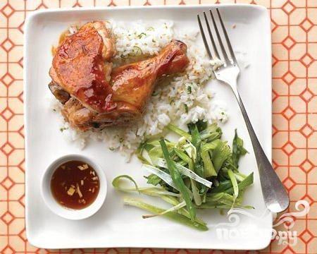 Курица с жареным луком и имбирем