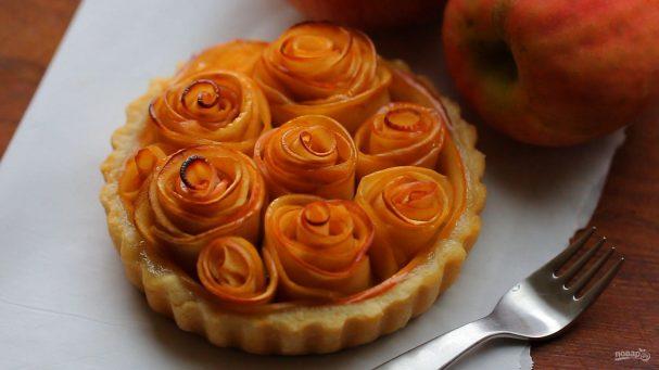 Тарт с розами из яблок