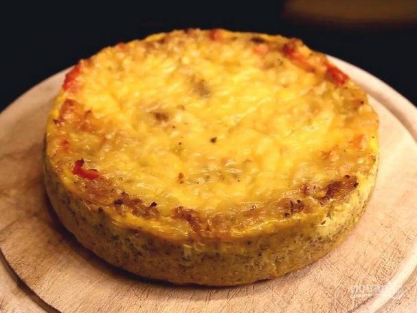 Пирог с луком и кукурузными чипсами