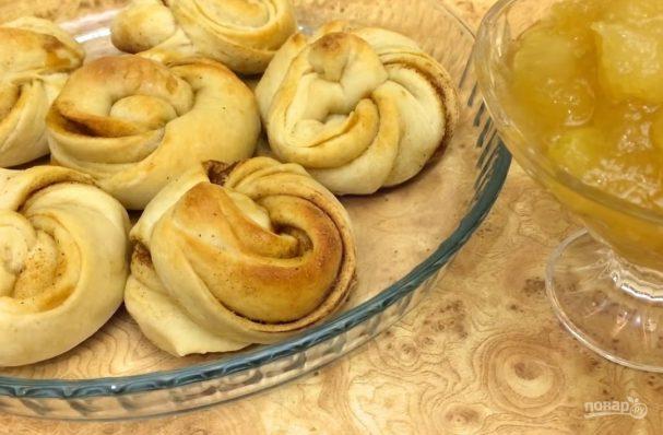 Мягкие сливочные булочки с корицей