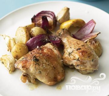 Курица с луком, картофелем и чесноком